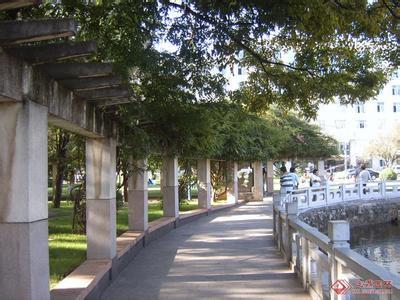 湖南师大校园长廊图片